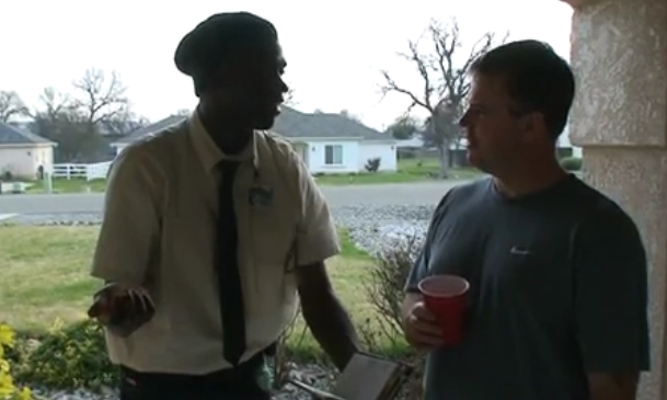 kenny-brooks-best-door-to-door-salesman Is this One Of The Best Door-To-Door Salesman Ever!?